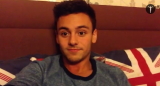 Tom Daley dating a dude doesn't mean he's gay